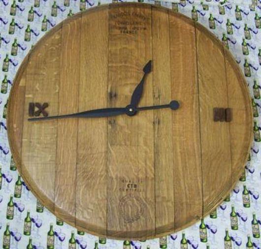 wine-barrel-Clock