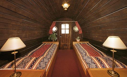 wine-barrel-hotel-inside