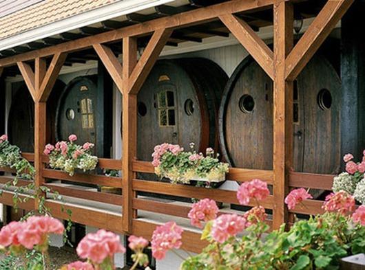 wine-barrel-hotel